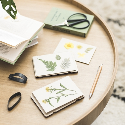 Pocket Flower Press - Silhouette - In Use